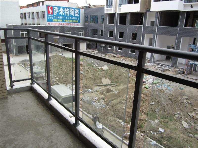 玻璃阳台护栏 - 阳台护栏